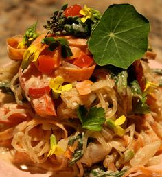 Nourishing Yogis: Raw and Spicy Noodles
