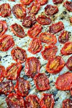Tomatoes Homemade Sun-Dried Tomatoes This is a great idea for all the tomatoes I'm growing in my garden.Homemade Sun-Dried Tomatoes This is a great idea for all the tomatoes I'm growing in my garden. Salsa With Canned Tomatoes, Make Sun Dried Tomatoes, Plum Tomatoes, Grow Tomatoes, Grape Tomato Recipes, Sundried Tomato Recipes, How To Dry Oregano, How To Dry Basil, Canning Recipes