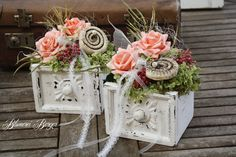 Price is for a decorated drawer. Price is for a decorated drawer. Shabby Chic Centerpieces, Small Centerpieces, Beautiful Flower Arrangements, Floral Arrangements, Snowman Christmas Decorations, Flower Boutique, How To Preserve Flowers, Flower Boxes, Floral Bouquets