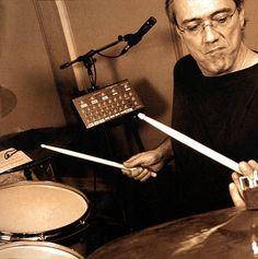Drummerworld: Vinnie Colaiuta