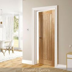 Choosing interior doors for the home can be a daunting process. Like many types of wood doors, oak interior doors have many options to choose from. Internal Doors Modern, Internal Folding Doors, Internal Wooden Doors, Timber Door, Pine Doors, Oak Doors, Entry Doors, Front Entry, Oak Interior Doors