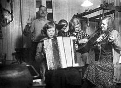 The Hansson family, 1932, Sweden.