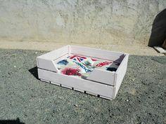 Easy to Build Pallet Dog Beds | Pallet Furniture DIY