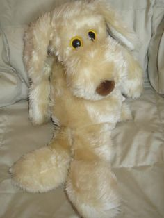"""I passed my Le Mutt on to my daughter, he was the best for comforting me and is the best for comforting her where ever she goes. 18"""" Le Mutt Plush Stuffed Dog Toy Francesca Hoerlein 1980 Vintage Floppy LeMutt"""