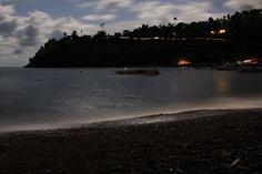 Plaja Jemeluk din Amed, noaptea