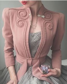 onight's outfit 🕊 Late dusty pink swirly jacket and whisper grey ballet dress. Worn with shooting star brooch and flower 🥀✨ . 40s Fashion, Look Fashion, Hijab Fashion, Fashion Dresses, Vintage Fashion, Fashion Design, Fashion Trends, Fashion Lookbook, Fashion 2018