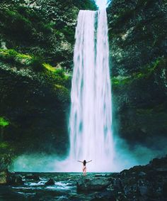 Tag who you would take a morning swim with here! Brandywine Falls Canada! #thegreatoutdoors  By: @miraecampbell by thegreatoutdoors