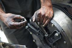 Auto/Car Repair Mechanics, Road Runner provide reliable Car mechanics for car repair/ get affordable car repair service in your Reseda. Call us now 888-749-5919 for auto/car repair shops near your area. Visit : http://www.road-runner-car-sales.com/