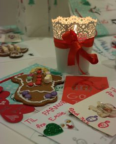 Juleverksted Gift Wrapping, Gifts, Paper Wrapping, Presents, Wrapping Gifts, Favors, Gift Packaging, Present Wrapping, Gift