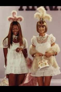 Naomi & Linda for Anna Sui - I loved the 90's !