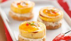 Canapés de banana-da-terra, com recheio de Creme de Leite NESTLÉ®, queijo minas e MAGGI® Meu Segredo e cobertos com geleia de pimenta