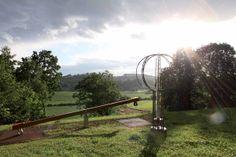 """Die Wandertour """"Herzspur"""" bei Trautmannsdorf mit 12 Stationen #badgleichenberg #regionbadgleichenberg Arch, Outdoor Structures, Bowties, Hiking, Heart, Vacation, Longbow, Wedding Arches, Bow"""