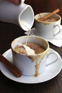 Grain Free Snickerdoodle Mug Cake Recipe - a low carb, gluten-free, easy keto dessert! Low Carb Deserts, Low Carb Sweets, Köstliche Desserts, Delicious Desserts, Stevia, Paleo Dessert, Dessert Recipes, Cake Recipes, Dessert In A Mug