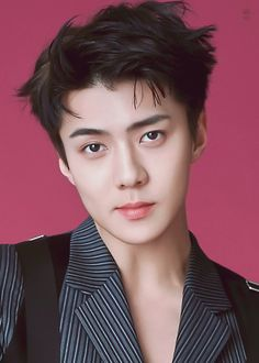 i just can't stop smiling looking at sehunnie smiling ^.^ it makes me happy that he can be happy ❤️ saranghae sehun! hwaiting!