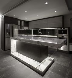 The best modern kitchen design this year. Are you looking for inspiration for your home kitchen design? Take a look at the kitchen design ideas here. There is a modern, rustic, fancy kitchen design, etc. Kitchen Room Design, Luxury Kitchen Design, Best Kitchen Designs, Luxury Kitchens, Home Decor Kitchen, Modern House Design, Interior Design Kitchen, Cool Kitchens, Kitchen Ideas