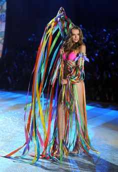 c54400848a Frida Gustavsson Photos - Model Frida Gustavsson walks the runway during  the 2012 Victoria s Secret Fashion Show at the Lexington Avenue Armory on  November ...