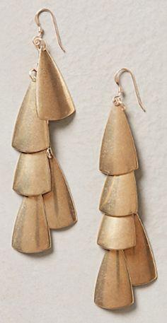 petal earrings http://rstyle.me/n/nnaxspdpe