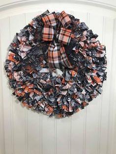 I'm going to teach you two different ways to make a rag wreath, one perfect for a storm door and the other thick and plush! Great for memorial wreaths or just something a bit more basic and rustic.