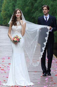 eDressit Sleeveless White Lace Appliques Bridal Gown (01171607)