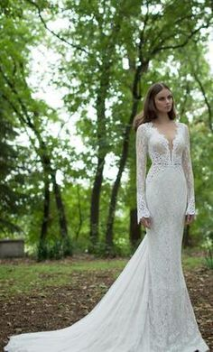 Berta+Bridal+14-21,+find+it+on+PreOwnedWeddingDresses.com