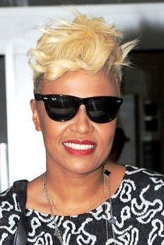 How to Style Short Hair : Photo Gallery ~ Cute Girl Hairstyles Popular Short Hairstyles, Cute Girls Hairstyles, Pixie Hairstyles, Black Women Hairstyles, Woman Hairstyles, Pixie Haircut, Haircuts, Short Curly Hair, Short Hair Cuts