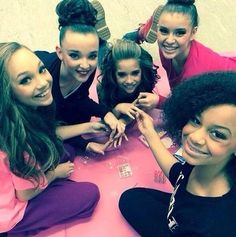 Nia maddie kendall and kalani doing Kenzie's nails for her photoshoot
