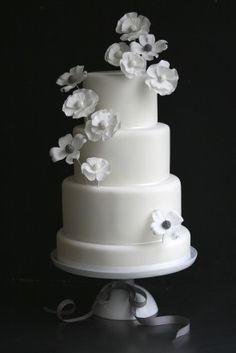 gâteau blanc fleurs blanches