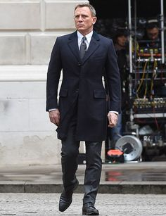 Dress like James Bond with this immaculately crafted navy Crombie coat. Our professional experts crafted this Spectre coat using top quality of material.