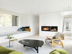 Den norsk-kanadiske arkitekten har bygget familiens paradis på sin særegne, varmt minimalistiske måte.