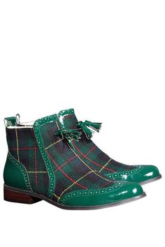 Boots Ecossais - Tartan and tassels Cute Shoes, Me Too Shoes, Men's Shoes, Dress Shoes, Bootie Boots, Shoe Boots, Ankle Boots, Boot Over The Knee, Fashion Shoes
