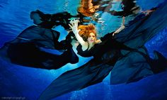 Underwater Photography by Rafal Makiela Underwater Photoshoot, Underwater Model, Underwater Art, Underwater Photographer, Underwater Images, Editing Pictures, Art Pictures, Breathing Underwater, Sea Photography