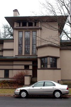 William G. Frickie house. 1901. Oak Park, Illinois. Priairie Style. Frank Lloyd Wright