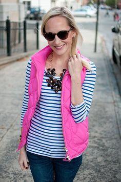 I don't like the pink, but I like pairing the vest with a chunky necklace.  40 Cool Outfit Ideas with Puffy Vest