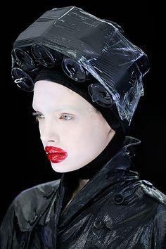 Alexander McQueen Fall 2009 Ready-to-Wear Fashion Show Givenchy, Alexander Mcqueen, Exotic Art, Campaign Fashion, Photoshop, Portraits, Dark Fashion, British Style, Fashion Show