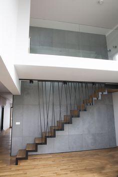 Staircase Design Modern, Stair Railing Design, Home Stairs Design, House Design, Bauhaus Interior, Modern Interior, Interior Design, Interior Balcony, Apartment Interior