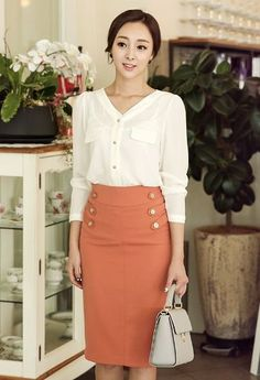 Office Outfits Women, Business Casual Outfits, Professional Outfits, Everyday Outfits, Blouse Dress, Dress Skirt, Short Pencil Skirt, Classy Winter Outfits, Corporate Attire