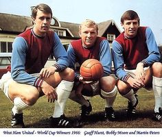 England World Cup 1966 Geoff Hurst Martin Peters Bobby Moore West Ham Photo 10x8