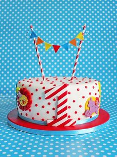 Amazing minimalist circus cake. To complete your circus birthday at a very low price visit www.sixcandles.com