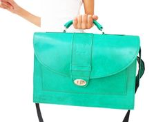 Leather Messenger Bag for Women Green Leather door NoussaBags