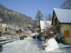 Auch in Winter ist es bei uns wunderschön. Möchten Sie mehr Schnee erleben, so ist das Erzgebirge mit den Städten Altenberg und Geising über die A17 in ca. 60 min erreichbar.