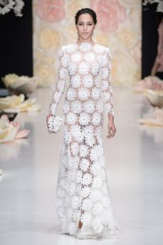 with 💟 Designed by and other… – recreant-detent with Designed by Ulyana Sergeenko Maison Valentino and other with White Fashion, Look Fashion, Fashion Design, Couture Wedding Gowns, Wedding Dresses, Crochet Wedding, Gowns Of Elegance, Embroidery Fashion, African Fashion Dresses