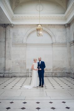Reportage photography of a lovely Dublin City wedding in City Hall and Forest Avenue. City Hall Wedding, Chic Wedding, Reportage Photography, Dublin City, Travel Europe, Real Weddings, Ireland, Wedding Photos, Shabby Chic