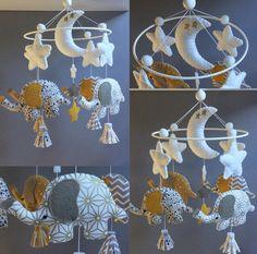"""SUR COMMANDE - Mobile décoratif """"éléphants dans les nuages"""" en feutrine et tissus : Jeux, peluches, doudous par l-atelier-feutrine"""
