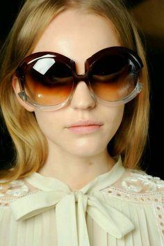 T E L A Y N A: Las gafas de Sol.