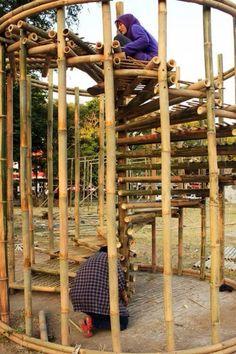 бамбуковая винтовая лестница