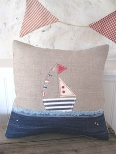 Picture of Linen Applique Boat Cushion Applique Cushions, Sewing Pillows, Diy Pillows, Pin Cushions, Decorative Pillows, Throw Pillows, Fabric Art, Fabric Crafts, Sewing Crafts