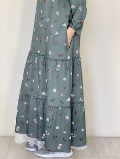 Modesty Fashion, Abaya Fashion, Fashion Dresses, Muslim Women Fashion, Islamic Fashion, Stylish Dresses For Girls, Frocks For Girls, Hijab Fashion Inspiration, Muslim Dress