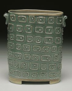 ceramic pottery surface Click the image to read more! Hand Built Pottery, Slab Pottery, Pottery Vase, Ceramic Pottery, Thrown Pottery, Ceramic Design, Ceramic Decor, Ceramic Vase, Porcelain Ceramic