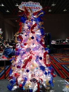 Casino · it starts. our vegas themed christmas tree comes to life! Christmas Party Themes, Holiday Parties, Christmas Decorations, Casino Theme Parties, Casino Party, Cars Vintage, Party Friends, Vegas Theme, Slot Machine Cake