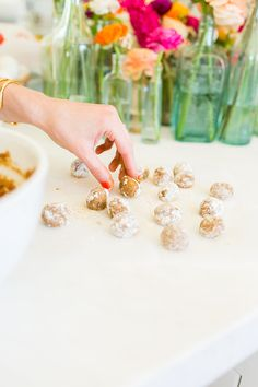 No-bake Oatmeal Cookie Bites